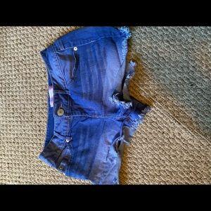 No Boundaries size 9(Juniors) Jean shorts